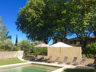 Provence Spacious Vineyard House, 3BDR, 2BA, Pool, Cairanne