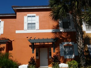 3 bed Town Home, Emerald Island, Four Corners