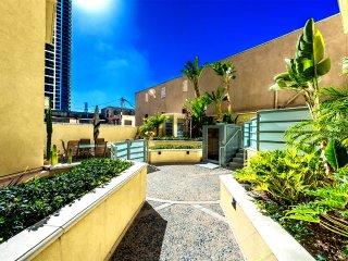 San Diego Gaslamp Quarter- 2 Bedroom Furnished Apartments