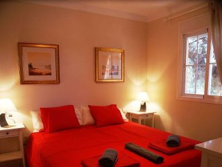 3 Bed 2 Bath Apt, In Elviria, Marbella.