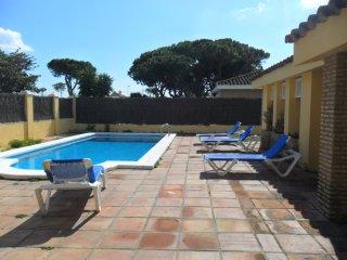 chalet piscina privada 15 personas playa
