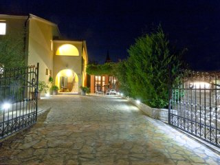 Beautiful Villa In Countryside With Swimming Pool, Pula