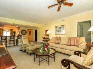 Cottages-Naples Bay- 1st Floor - Screened in Lanai- Full Resort Amenities;  Pool