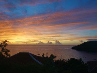 Spacieux T3 dominant la baie des Anses d'Arlet