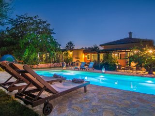 Azimut Villa 4-bedroom villa with Private Pool, Tsilivi