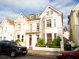 Large Family House & Group Friendly Accommodation, Eastbourne