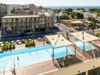New Sea-View 2 Bedroom Apartment with Pool, Jaffa