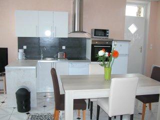 superbe maison individuelle face aux Thermes, Neris-les-Bains