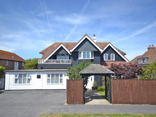 A Very Comfortable. Family Stay at Vincent Lodge, Selsey