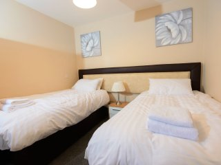 City Gate Suites - Twin Bed Apartment, Manchester