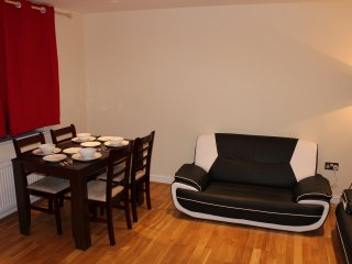Two Bedroom Apartment with Balcony (B), Londen