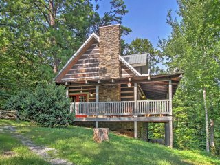 4BR Gatlinburg Area Cabin w/ Private Hot Tub!