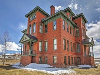 Classic 2BR Leadville Condo w/Wifi, Panoramic Mountain Views & Historic Setting in a Converted 1880's Hospital - Close to Downtown, Hiking, Golf, Outdoor Activities & Major Ski Areas!