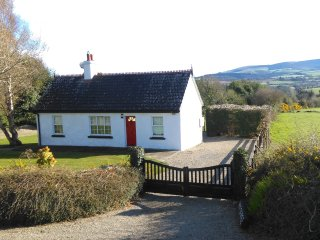 INNISFREE COTTAGE, WOODENBRIDGE