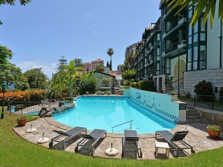 Peaceful, Self-catering Apartment with Swimming Pool and Sea Views, Funchal