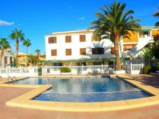 HOSTAL BAHÍA BLANCA / HABITACIÓN FAMILIAR  5PX, Alicante
