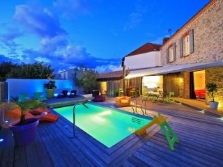 "Luxurious 12 person villa ""La Chaize"""