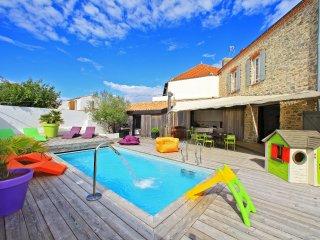 """Luxurious 12 person villa """"La Chaize"""""""