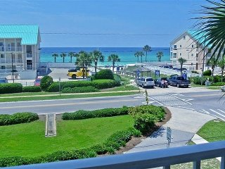 Spectacular Views in Great Location!!, Destin