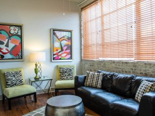 Luxury French Quarter Rental 50 ft off Bourbon w/Pool & Gym - Maisonette Marie