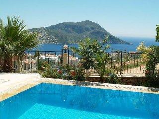 Villa Corisande: beautiful views; stunning, family-friendly villa
