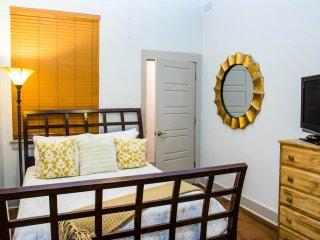 Katrina-French Quarter-2 bed/2 bath W/Pool & Gym, Nueva Orleans