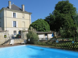 Chateau de Rochebonne: big house with private pool & grounds