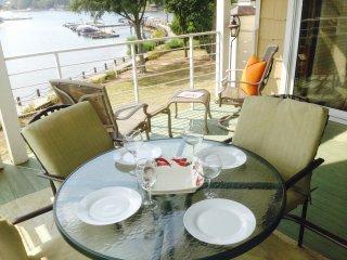 Big Lake View, Poolside, Free Boat Slip!, Lake Norman