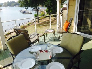 Wonderful Lake View, Poolside, Free Boat Slip!, Lake Norman