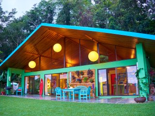 $99/Night!! The Funky Jungalow-Dominical