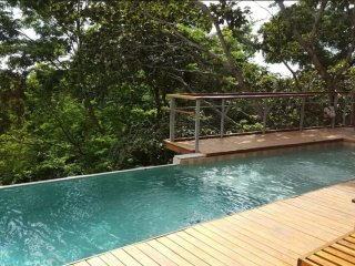 Tamarindo Waterfall Treehouse ★4 Levels★ Sleeps 16