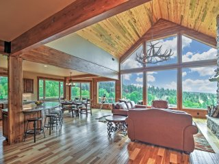 'Aspen Crest' 5BR Home w/ Pikes Peak Views, Lake George