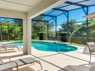 Home with a private pool and location close to Disney World - snowbirds welcome!