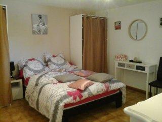 loue meuble t2 chambre et salon