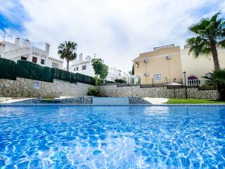 2 Bed / 2 Bath Luxury Ground Floor Apartment / Air Con / Wi-Fi / Nr Villamartin