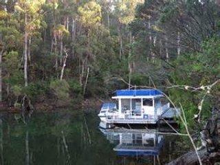 Mallacoota Wilderness Houseboats