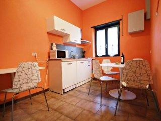 Julia Domus Convenience apartment in Porta Maggiore with WiFi, air conditioning