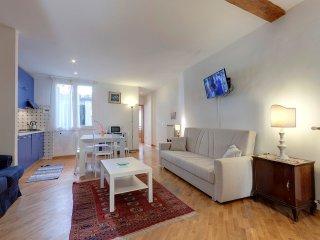 Leonardo apartment in San Lorenzo with WiFi & airconditioning.