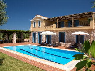Villas Armeno- Maria, Luxury villa  with see view