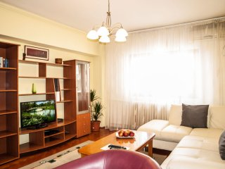 Amazing views & bright apartment on Calea Victoriei, next to Majestic Hotel, Bucharest