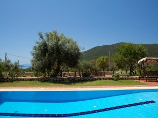 Villas Armeno- Maria, Luxury villa  with sea view