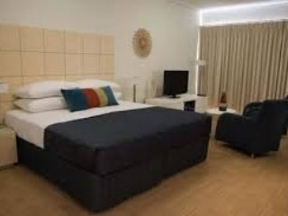 1 bedroom executive furnished apartment, Geraldton