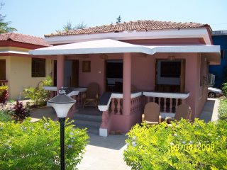 Detached Poolside Beach  Bungalow, Varca