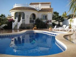 Villa Belmonte, B sector Camposol, sleeps 6, golf, pool, beach.