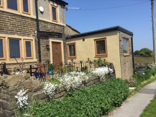 Pule Holiday Cottage, Halifax