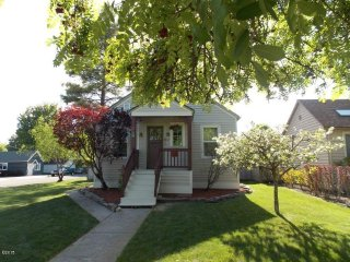 The Cozy Nook. A Large Home With All The Cozy Comforts!, Kalispell