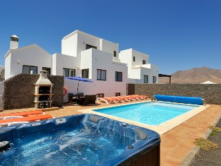 Relaxing, tranquil, 5 bed Villa., Playa Blanca