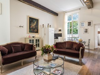Ile Saint-Louis Gorgeous Two Bedroom