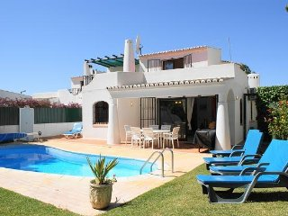 Beautiful Private Villa With Heated Pool Close to Vilamoura Marina