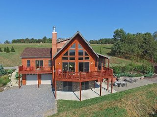 Spectacular 5 Bedroom log home with breathtaking views!